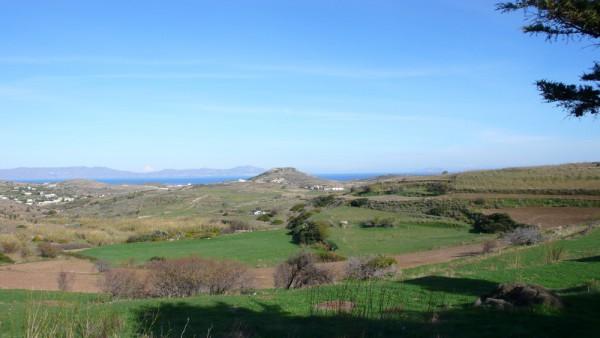 Vue sur Tinos depuis le haut de ma route